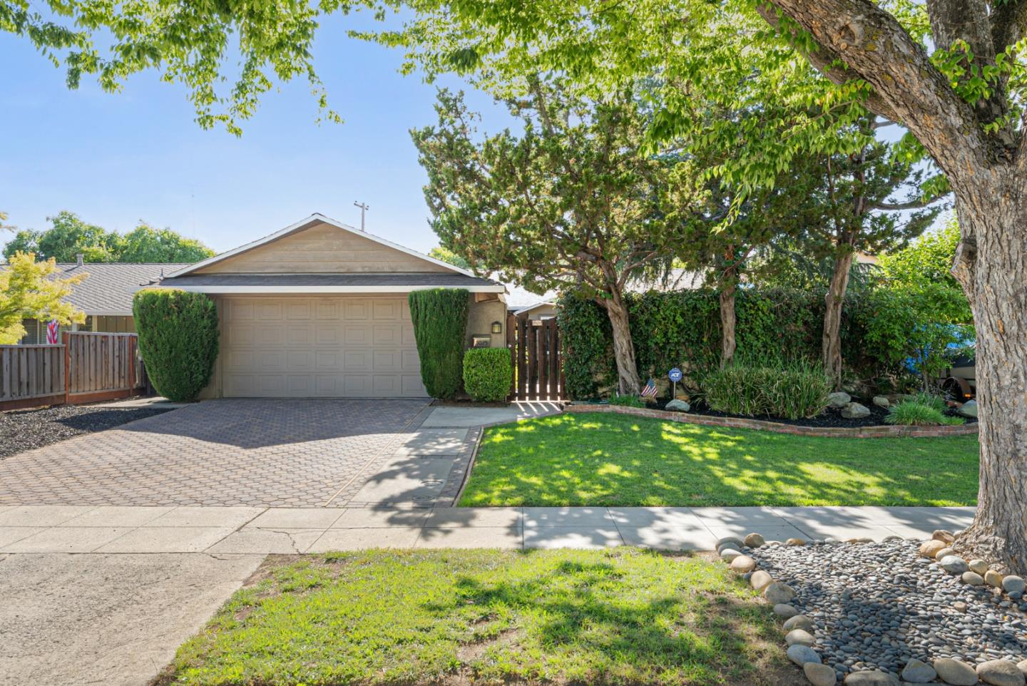 Detail Gallery Image 1 of 1 For 5025 Bel Canto Dr, San Jose,  CA 95124 - 3 Beds   2 Baths