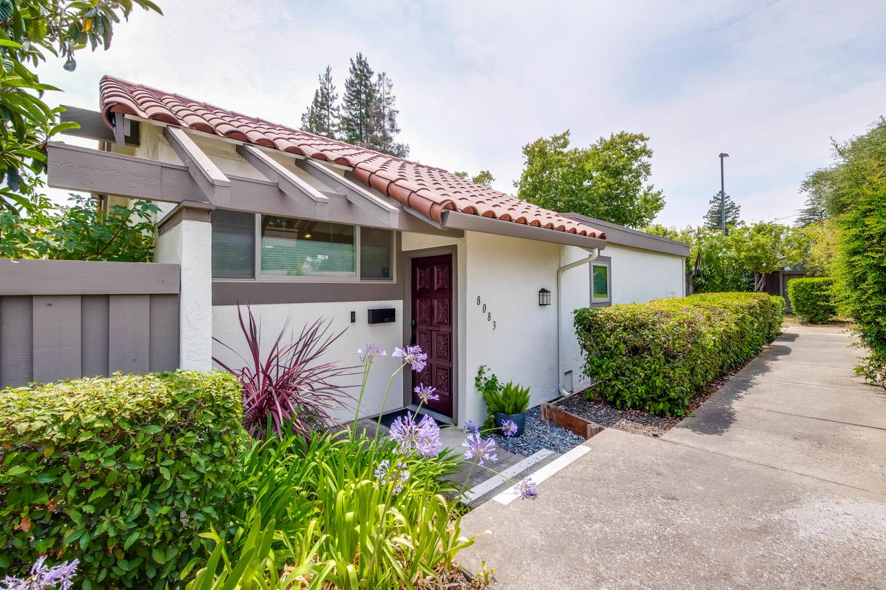 Detail Gallery Image 1 of 1 For 8083 Park Villa Cir, Cupertino,  CA 95014 - 2 Beds   2 Baths