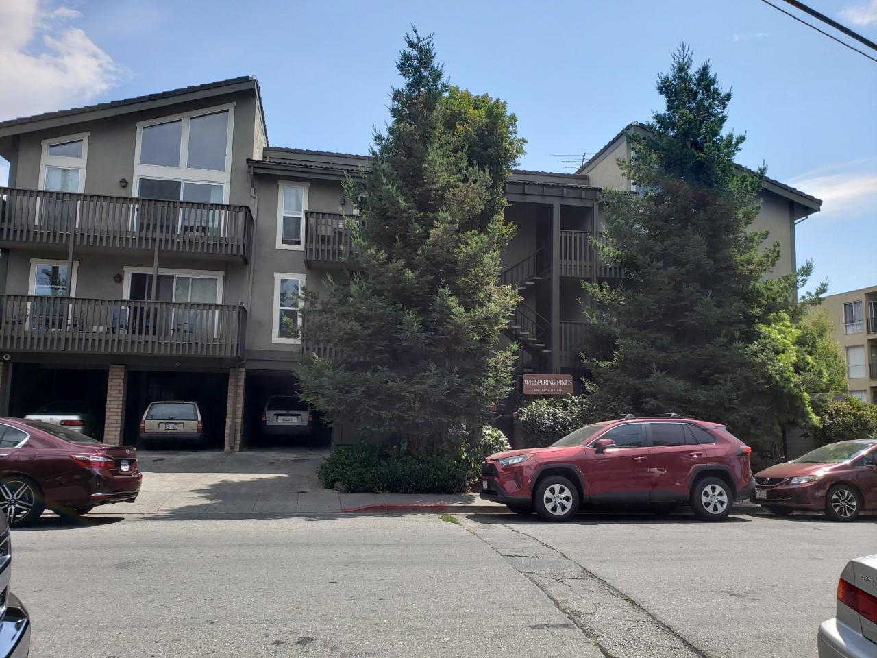INVESTORS ONLY. TENANT IN PLACE>  A TRUST SALE. NO COURT CONFIRMATION NEEDED. CALL AGENT FOR MORE DETAILS. CLOSE TO STANFORD AND DOWNTOWN PALO ALTO. PUBLIC TRANSPORTATION. GOOD RENTAL PROPERTY.