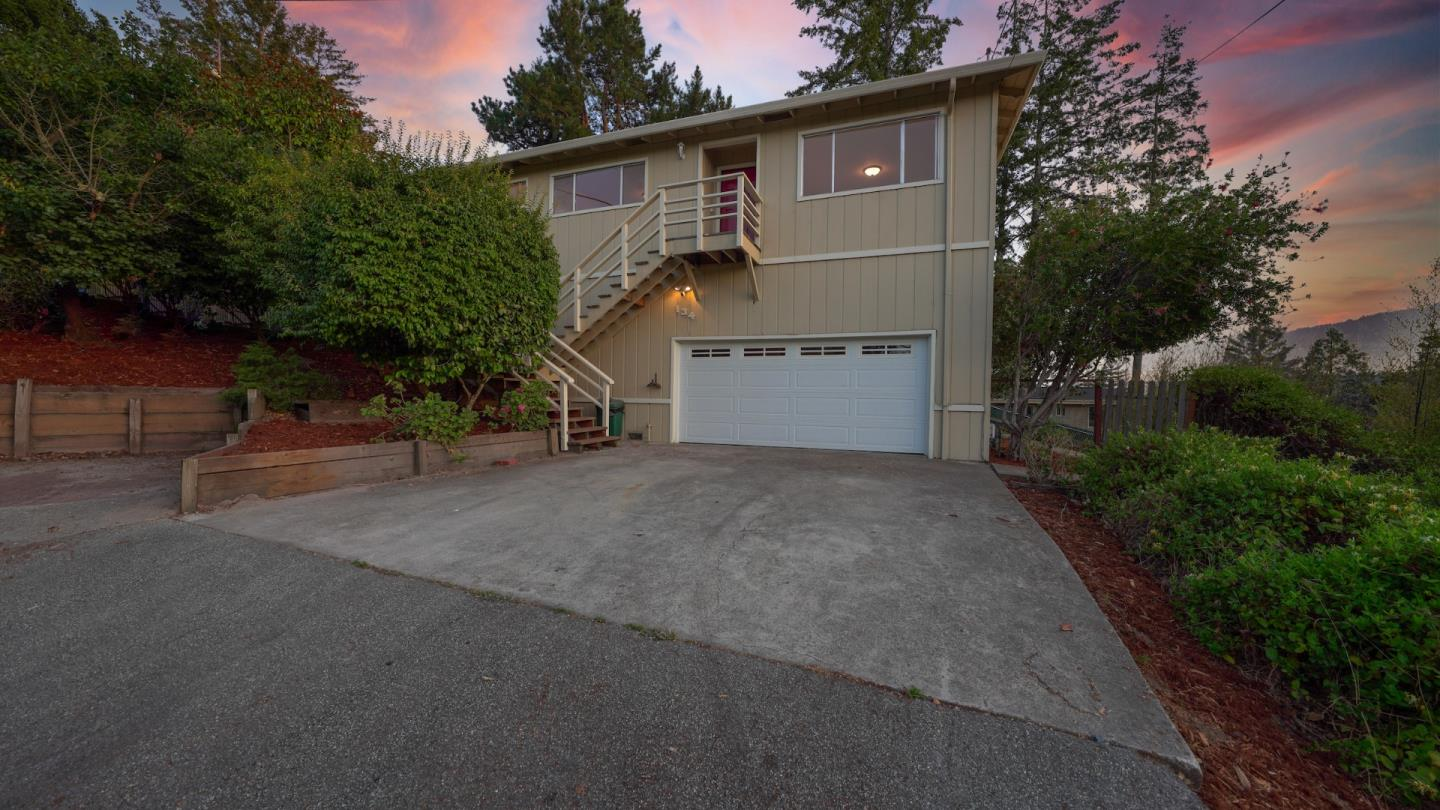 Detail Gallery Image 1 of 1 For 134 Pied Piper Ln, Santa Cruz,  CA 95060 - 3 Beds   3 Baths