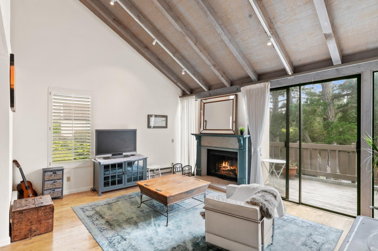 Detail Gallery Image 1 of 33 For 3600 High Meadow Dr #9,  Carmel,  CA 93923 - 2 Beds   2 Baths