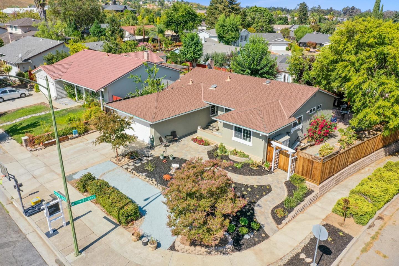 Detail Gallery Image 1 of 1 For 5229 Harvest Est, San Jose,  CA 95135 - 4 Beds | 2 Baths