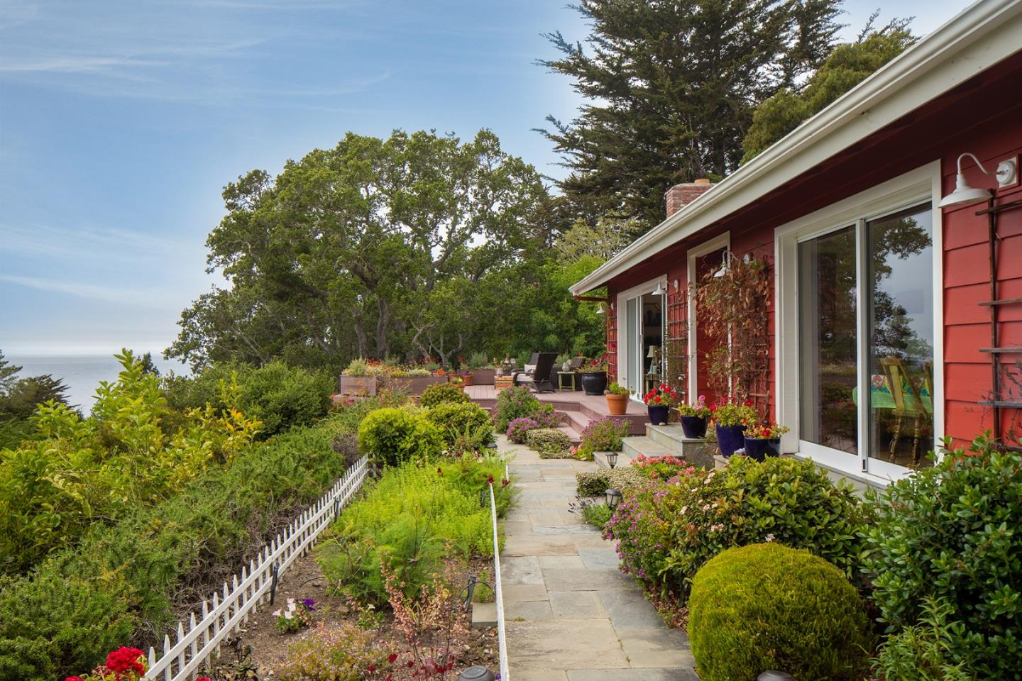 Detail Gallery Image 1 of 21 For 9 Mal Paso Rd, Carmel,  CA 93923 - 4 Beds   3 Baths