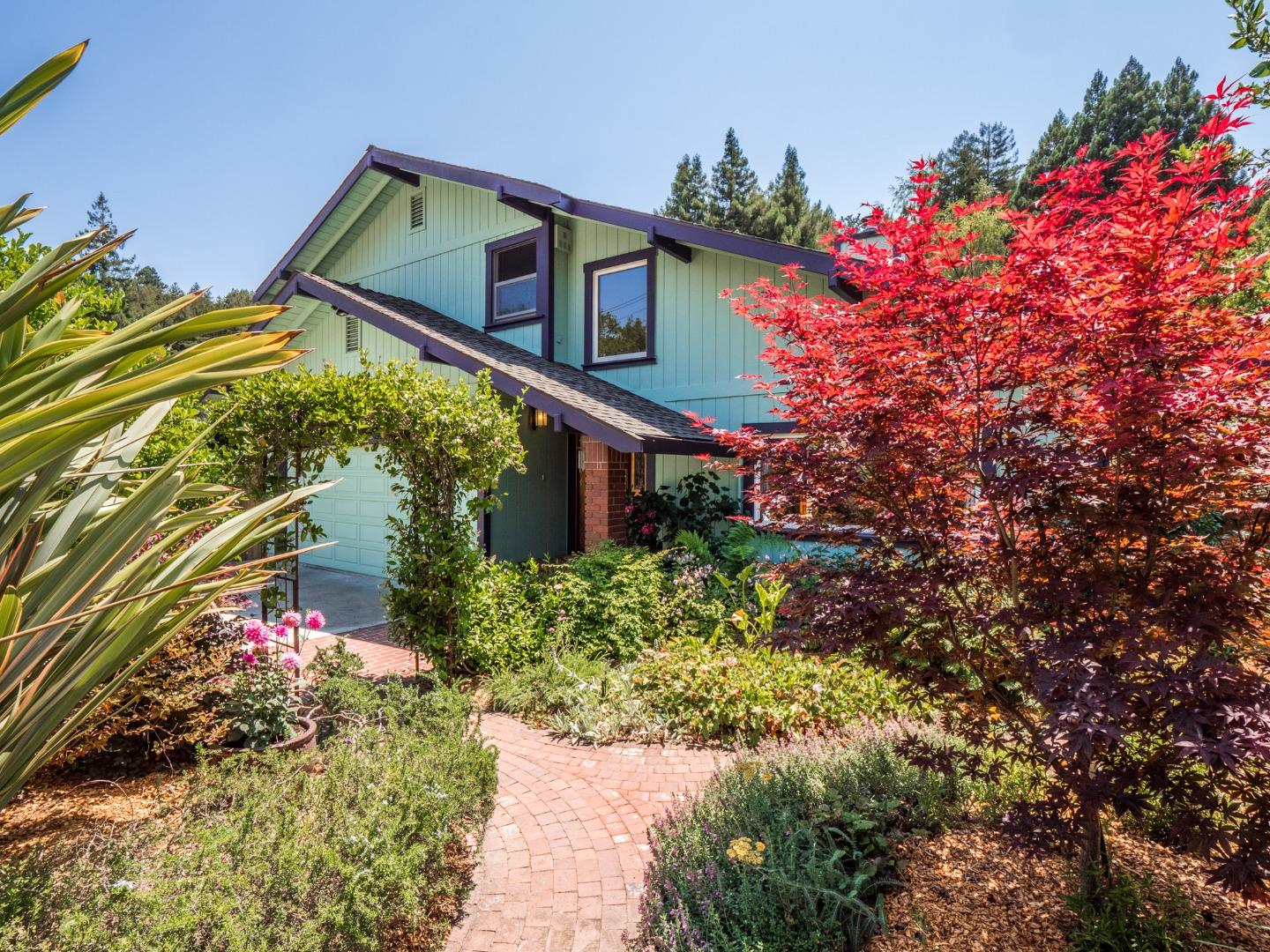 Detail Gallery Image 1 of 1 For 135 Mill Rd, Santa Cruz,  CA 95060 - 3 Beds   2/1 Baths