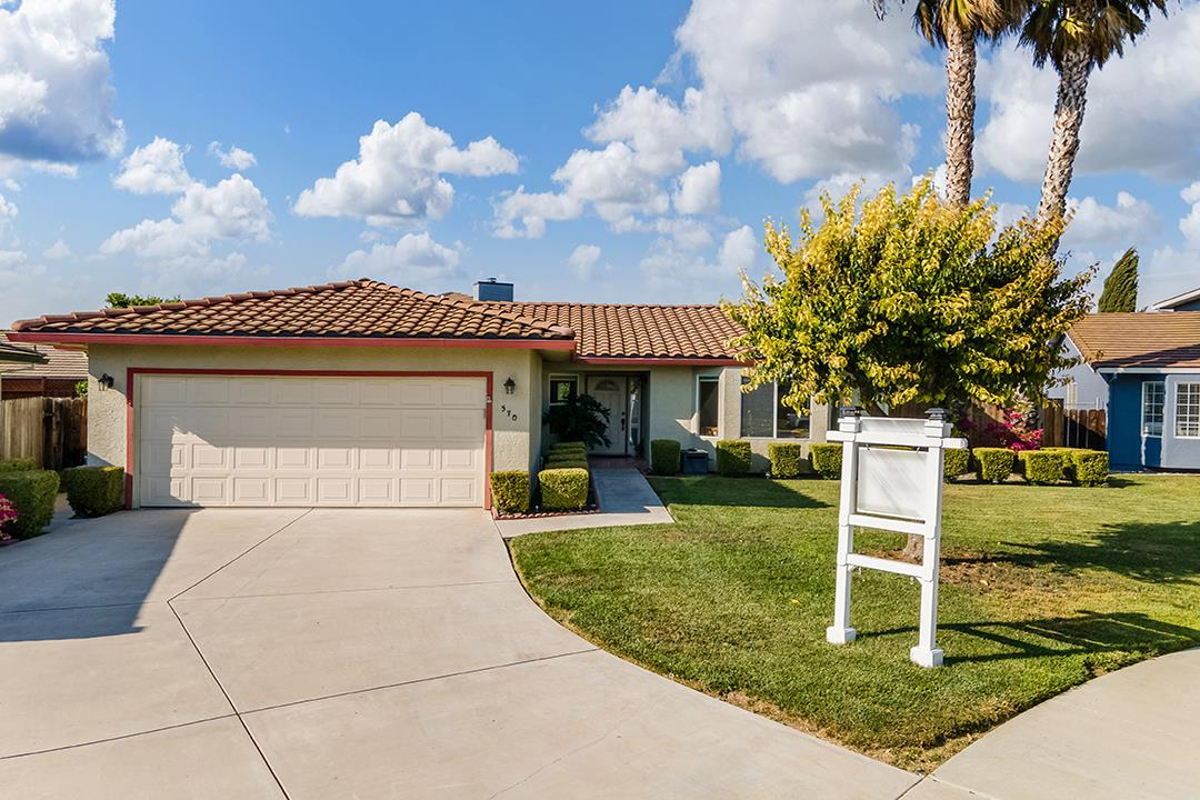 Detail Gallery Image 1 of 1 For 570 Verona Pl, Hollister,  CA 95023 - 3 Beds | 2 Baths
