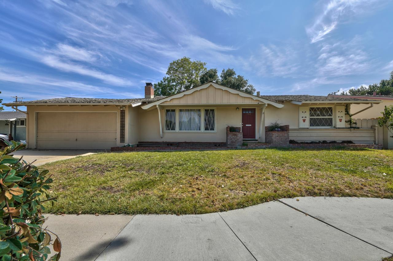 Detail Gallery Image 1 of 1 For 162 Chaucer Dr, Salinas,  CA 93901 - 3 Beds   2 Baths