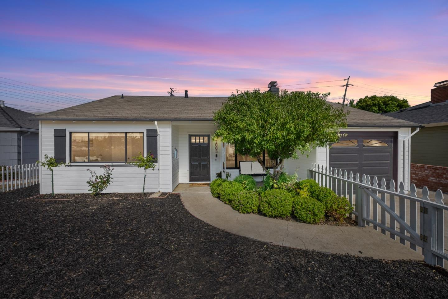 Detail Gallery Image 1 of 1 For 2005 Shoreview Ave, San Mateo,  CA 94401 - 3 Beds   1 Baths