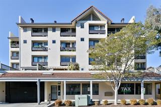 Detail Gallery Image 1 of 27 For 685 High St 2c,  Palo Alto,  CA 94301 - 2 Beds | 2/1 Baths