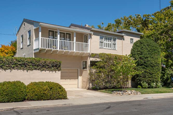 Detail Gallery Image 1 of 1 For 1015 Maple St, San Mateo,  CA 94402 - 3 Beds | 2 Baths