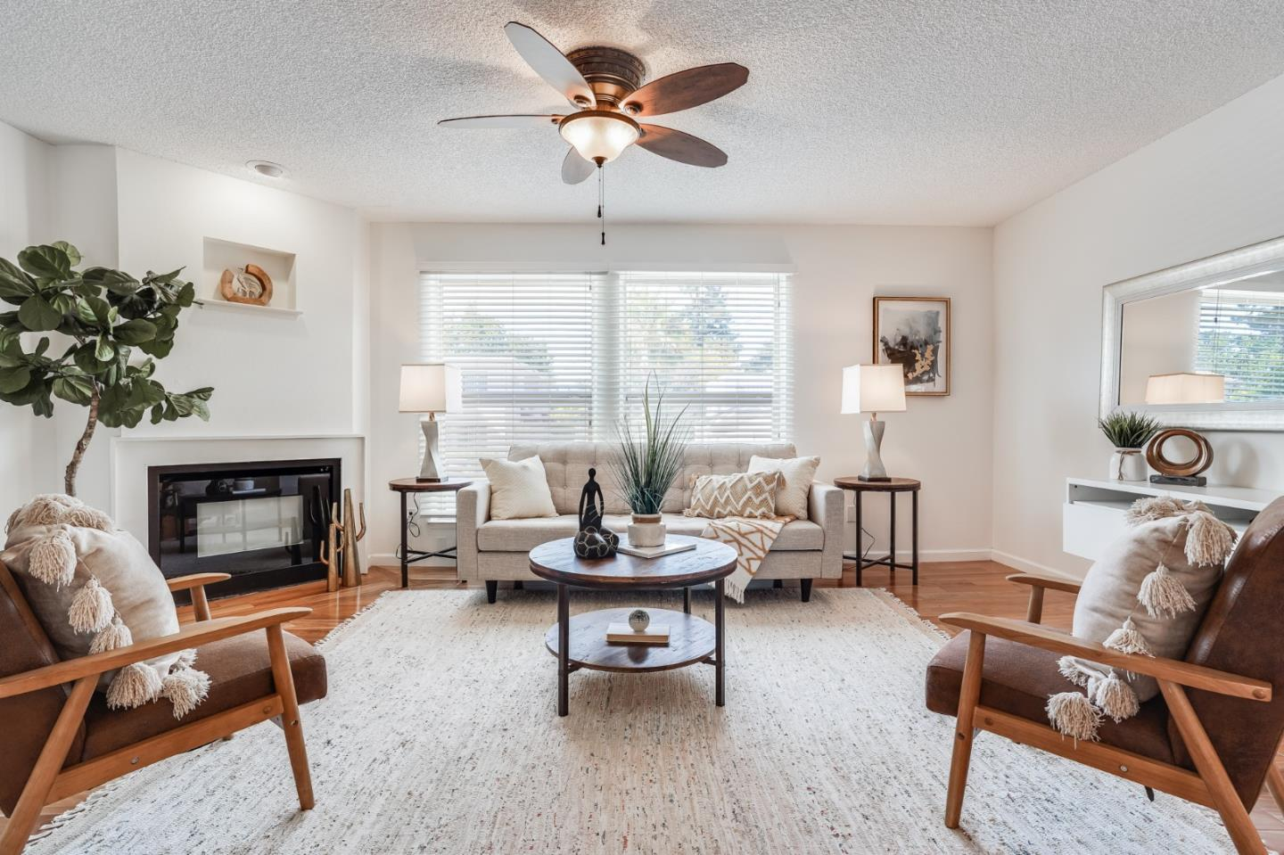Detail Gallery Image 1 of 1 For 2045 Yale St, Palo Alto,  CA 94306 - 2 Beds | 2/1 Baths