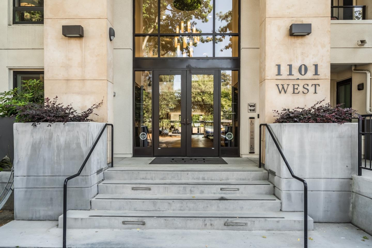 Detail Gallery Image 1 of 1 For 1101 W El Camino Real #318,  Mountain View,  CA 94040 - 3 Beds | 2 Baths