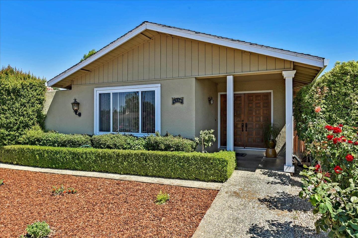 Detail Gallery Image 1 of 48 For 6558 Crown Blvd, San Jose,  CA 95120 - 3 Beds   2 Baths