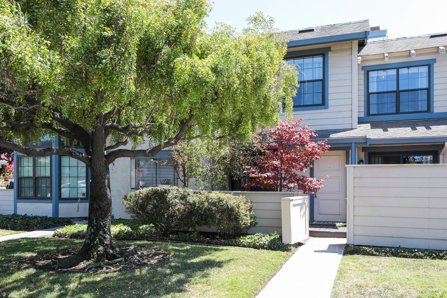 Detail Gallery Image 1 of 1 For 1604 Vista Del Sol, San Mateo,  CA 94404 - 2 Beds | 2/1 Baths