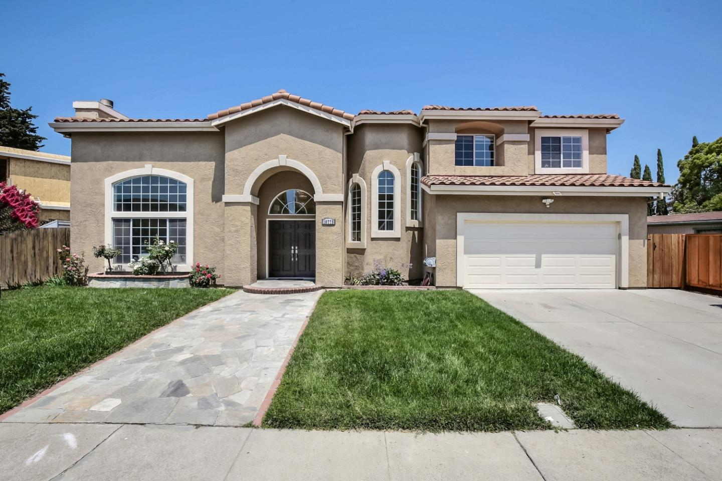 Detail Gallery Image 1 of 1 For 18775 Hanna Dr, Cupertino,  CA 95014 - 5 Beds | 3/1 Baths