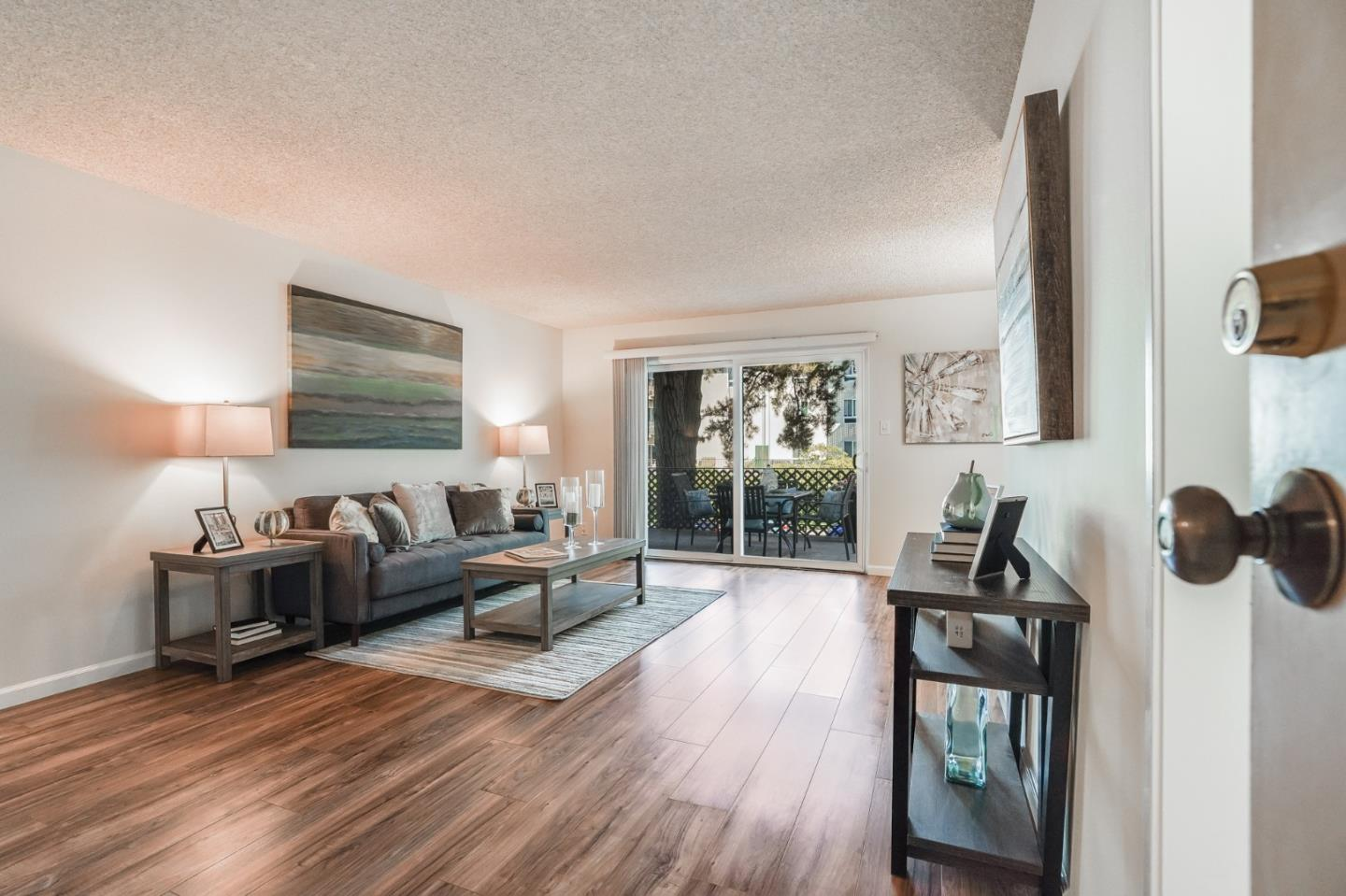 Detail Gallery Image 1 of 1 For 821 N Humboldt St #204,  San Mateo,  CA 94401 - 2 Beds | 1 Baths