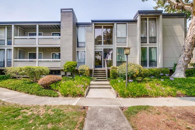 Detail Gallery Image 1 of 1 For 1191 Compass Ln #204,  Foster City,  CA 94404 - 3 Beds | 2 Baths