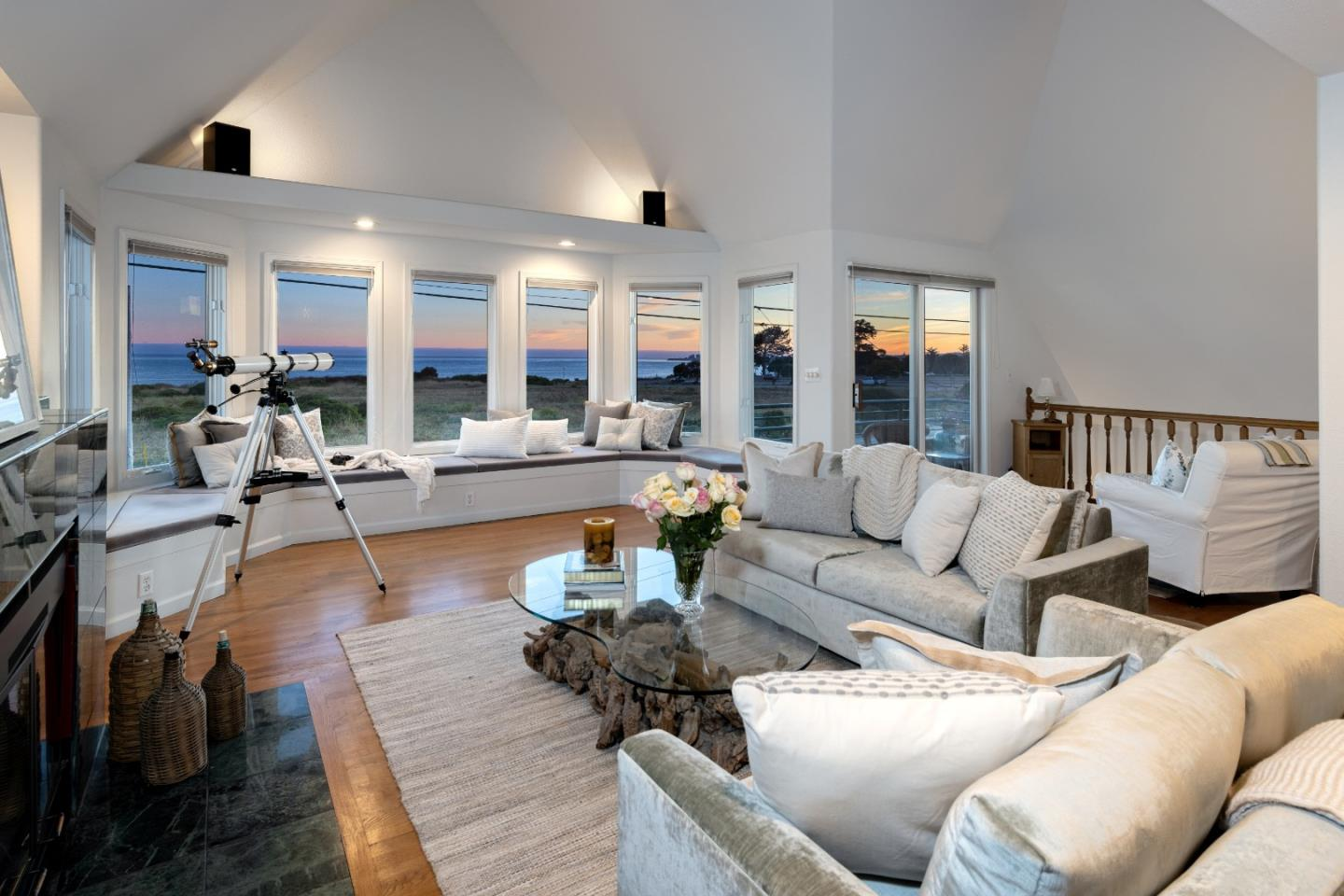 Detail Gallery Image 1 of 1 For 202 Seacliff Dr, Aptos,  CA 95003 - 3 Beds | 2/1 Baths