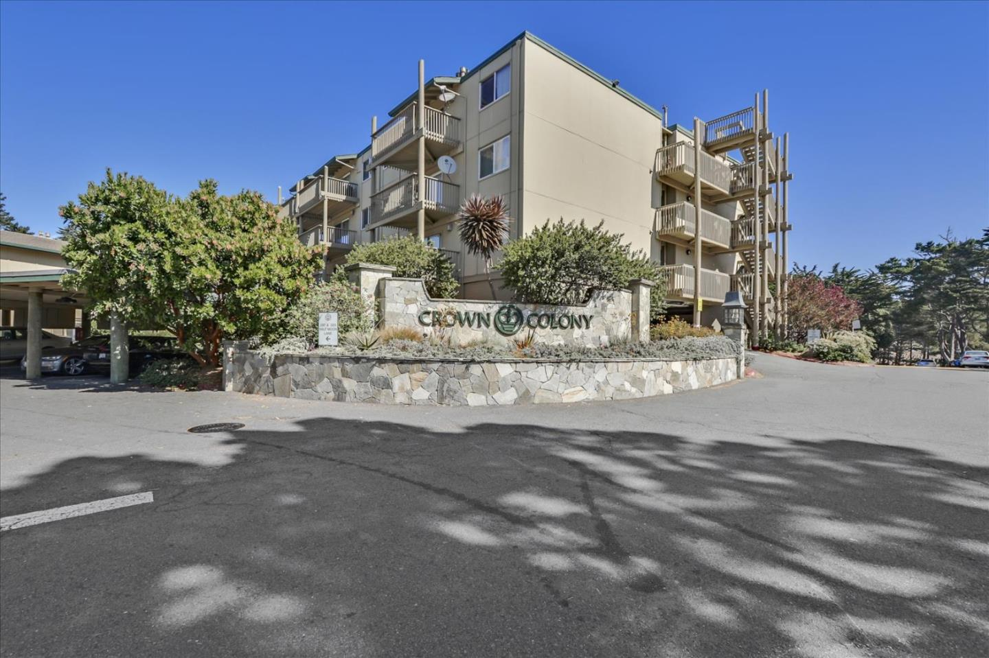 Detail Gallery Image 1 of 1 For 371 Imperial Way #205,  Daly City,  CA 94015 - 1 Beds   1 Baths
