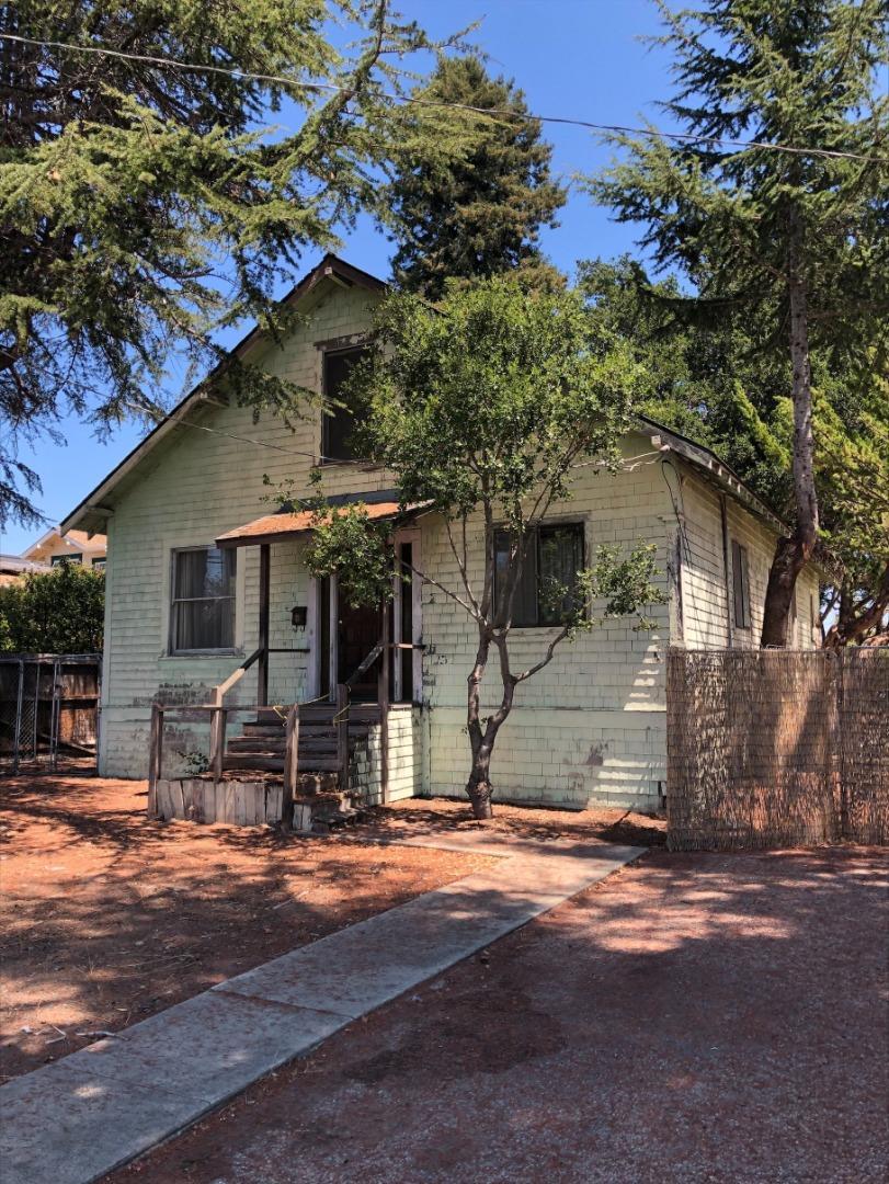 Detail Gallery Image 1 of 6 For 922 N Branciforte Ave, Santa Cruz,  CA 95062 - 3 Beds   2 Baths