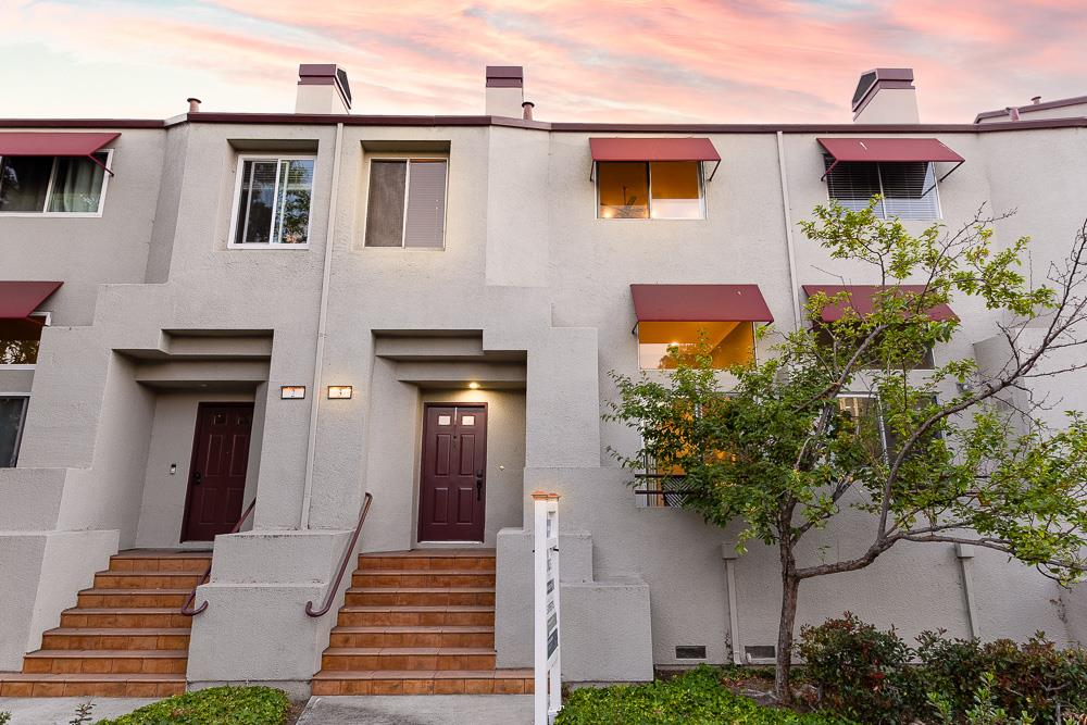 Detail Gallery Image 1 of 25 For 3 E Court Ln, Foster City,  CA 94404 - 2 Beds | 2/1 Baths