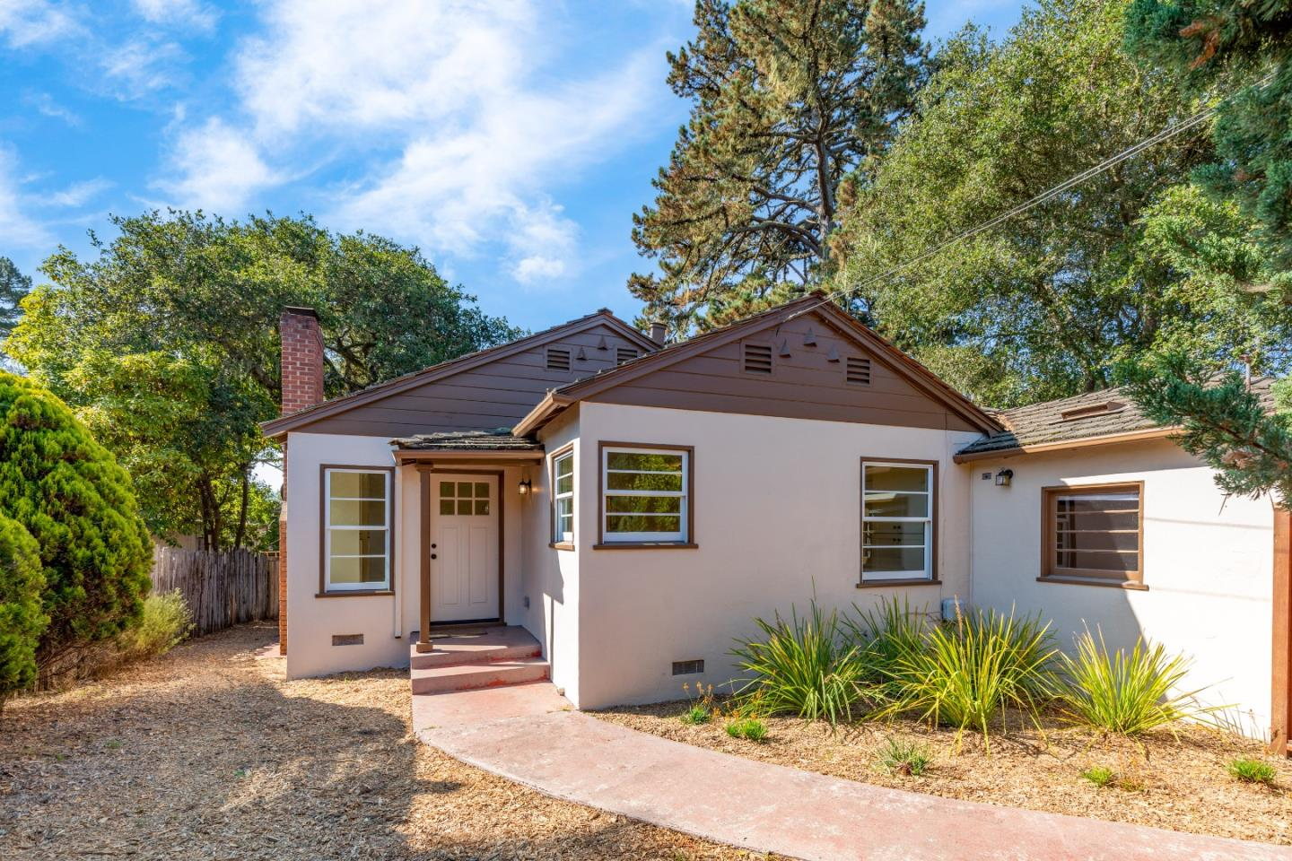 Detail Gallery Image 1 of 1 For 3216 Serra Ave, Carmel,  CA 93923 - 2 Beds | 1 Baths