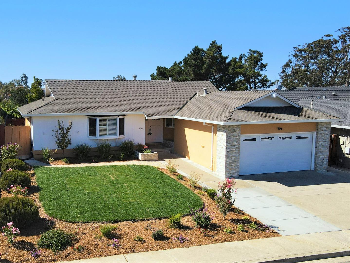 Detail Gallery Image 1 of 1 For 3303 Adelaide Way, Belmont,  CA 94002 - 3 Beds | 2 Baths