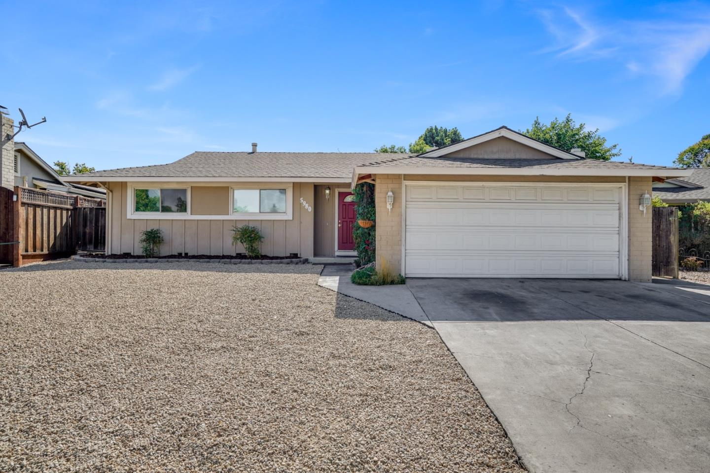 Detail Gallery Image 1 of 1 For 5980 Mescalero Dr, San Jose,  CA 95123 - 3 Beds   2 Baths