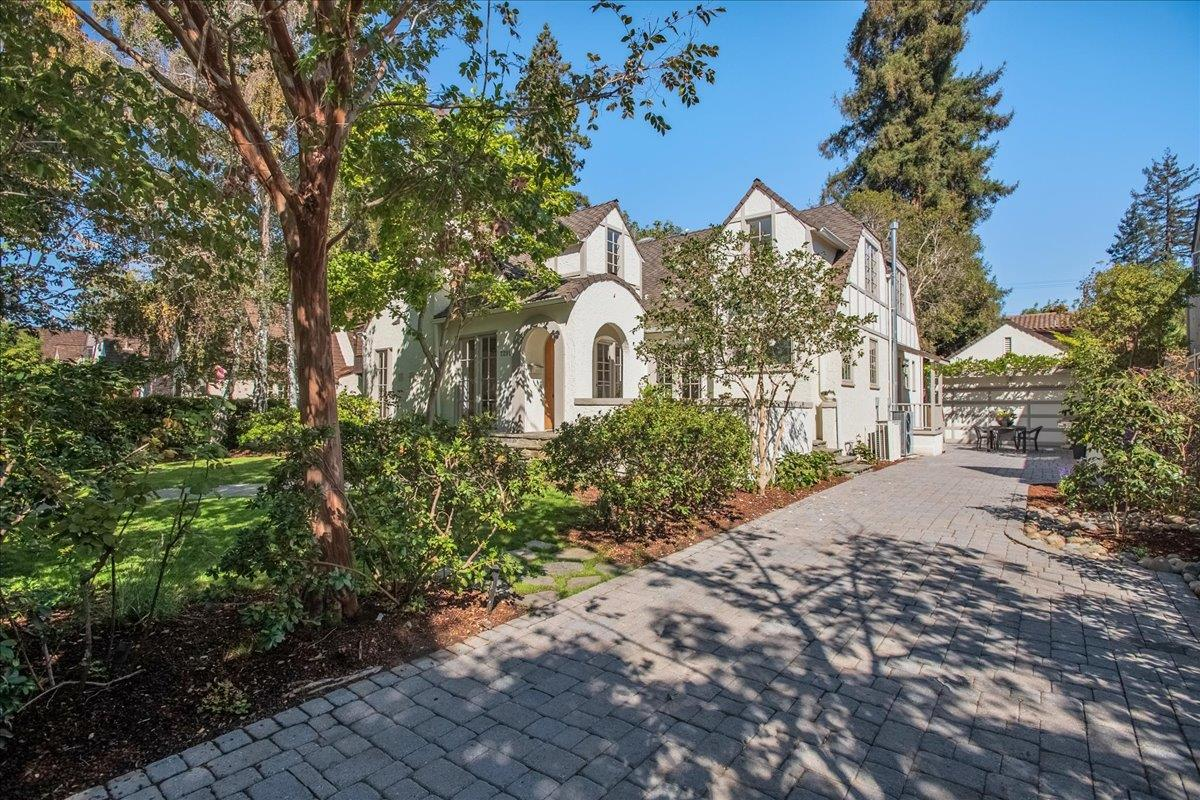 Detail Gallery Image 1 of 67 For 2291 South Court, Palo Alto,  CA 94301 - 4 Beds   4 Baths
