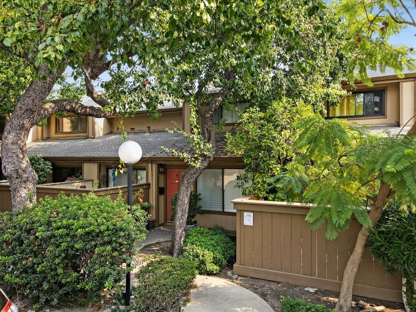 Detail Gallery Image 1 of 68 For 49 Showers Dr #T408,  Mountain View,  CA 94040 - 3 Beds   2/1 Baths
