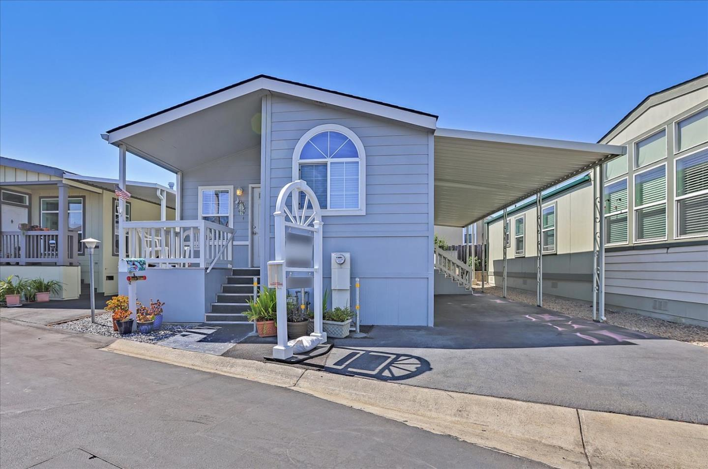 Detail Gallery Image 1 of 26 For 325 Sylvan Ave #12,  Mountain View,  CA 94041 - 2 Beds | 2 Baths