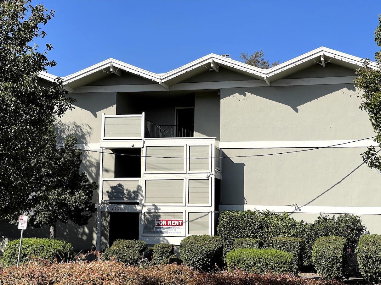 2451 Middlefield RD Redwood City CA 94063