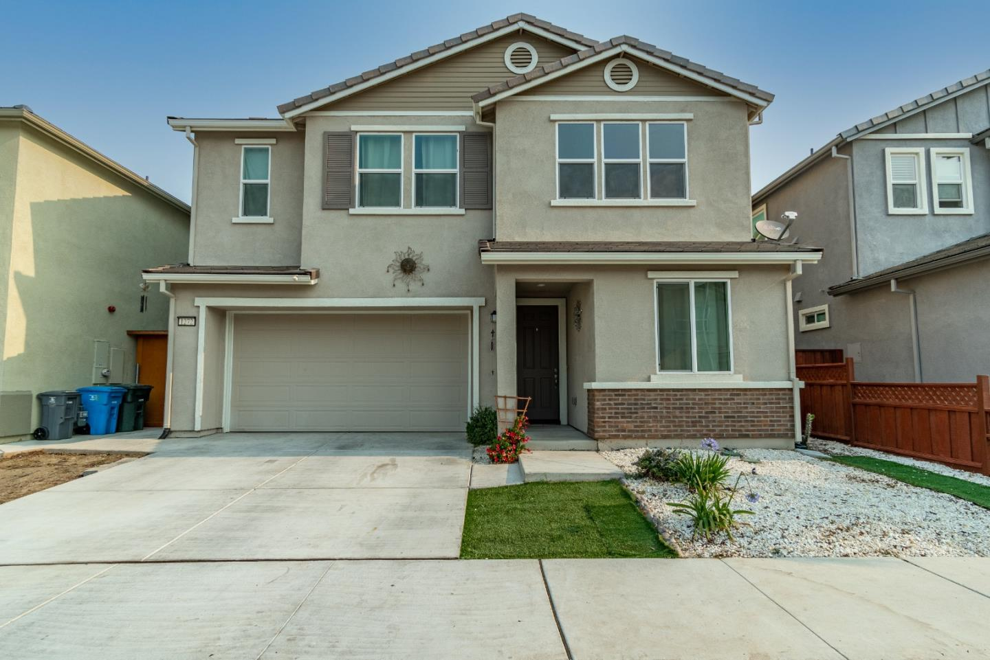 Detail Gallery Image 1 of 35 For 1272 Damasco Ln, Hollister,  CA 95023 - 4 Beds | 2/1 Baths