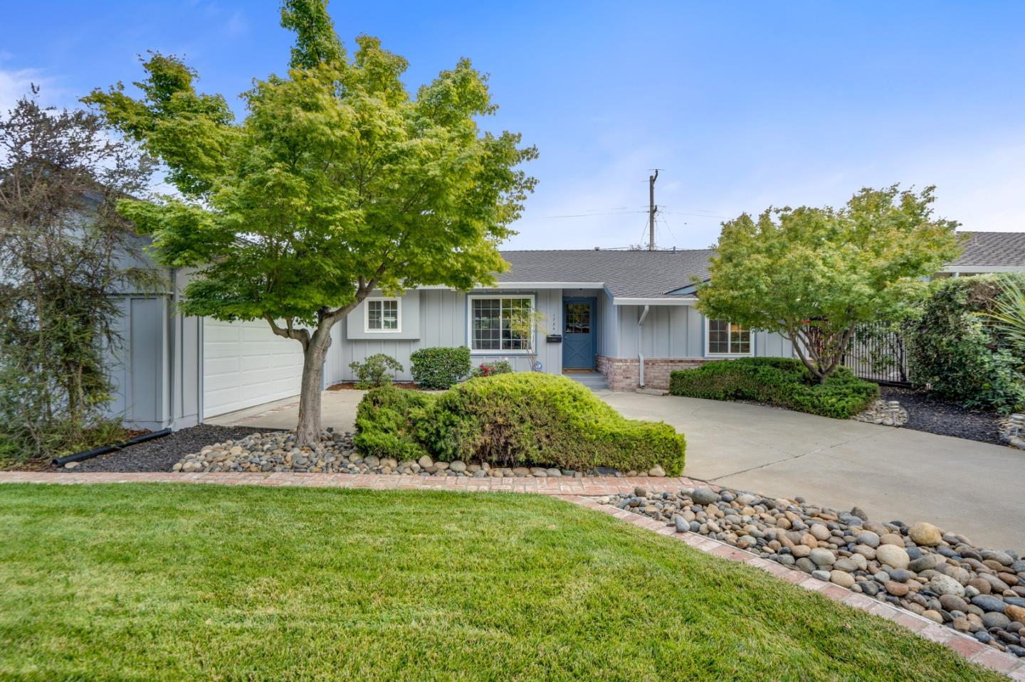 Detail Gallery Image 1 of 1 For 1734 Silverwood Dr, San Jose,  CA 95124 - 3 Beds | 2/1 Baths