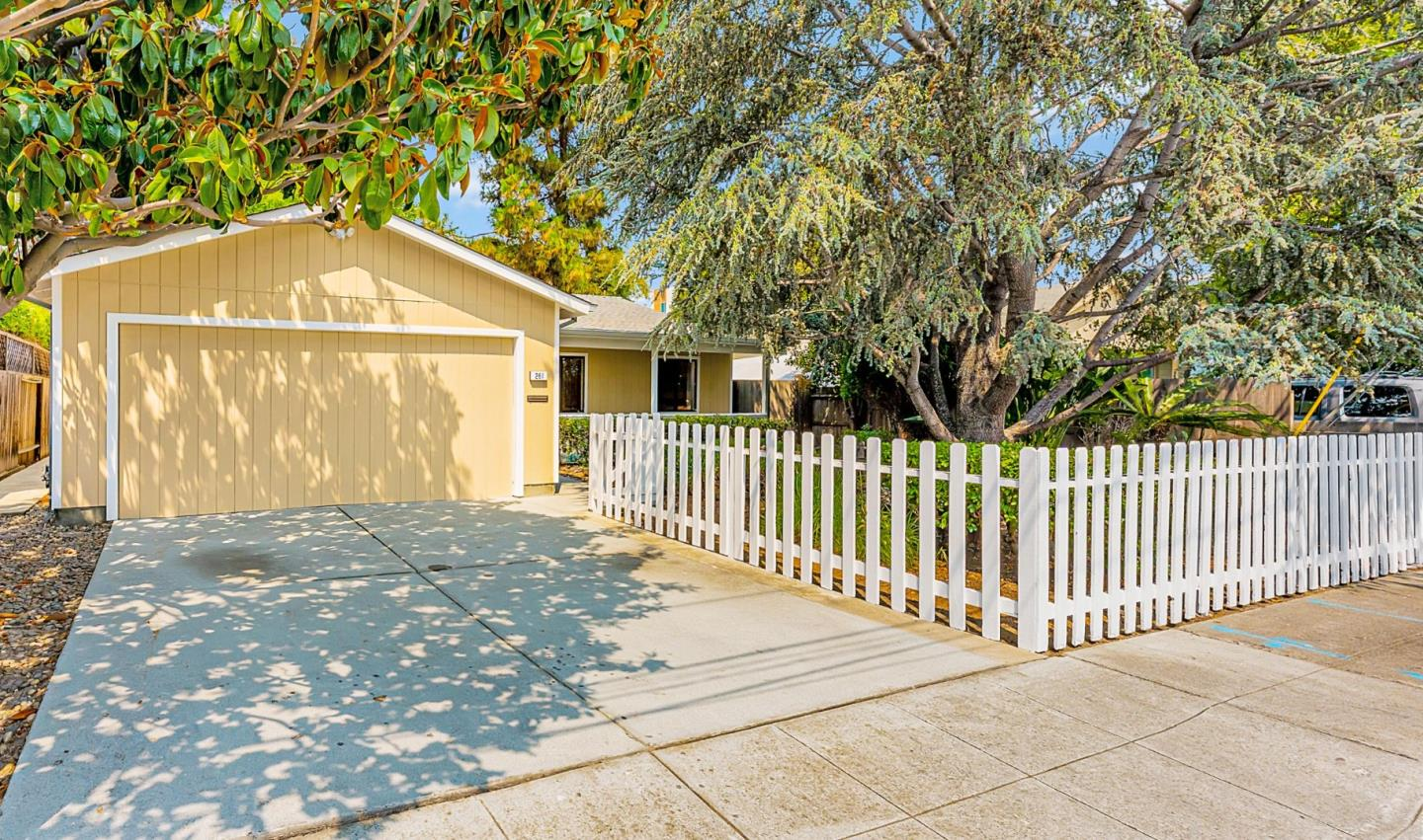 Detail Gallery Image 1 of 1 For 261 Pacific Ave, Redwood City,  CA 94063 - 3 Beds | 2 Baths