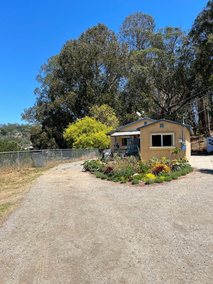 Detail Gallery Image 1 of 17 For 8097 Messick Rd, Prunedale,  CA 93907 - 3 Beds   1 Baths