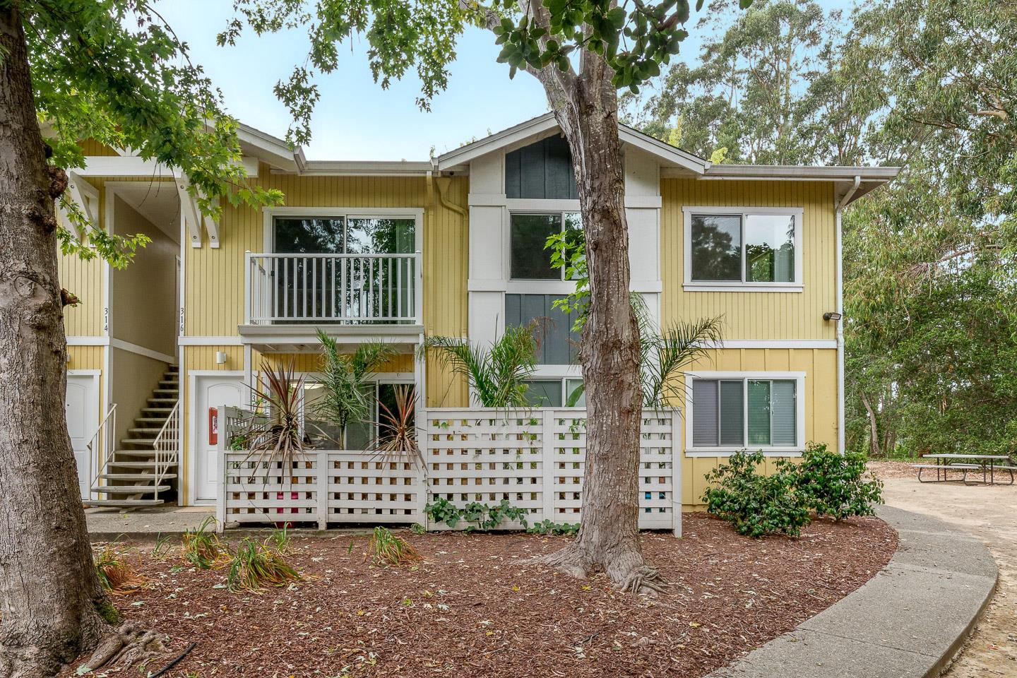 Detail Gallery Image 1 of 1 For 755 14th Ave #316,  Santa Cruz,  CA 95062 - 2 Beds   1 Baths