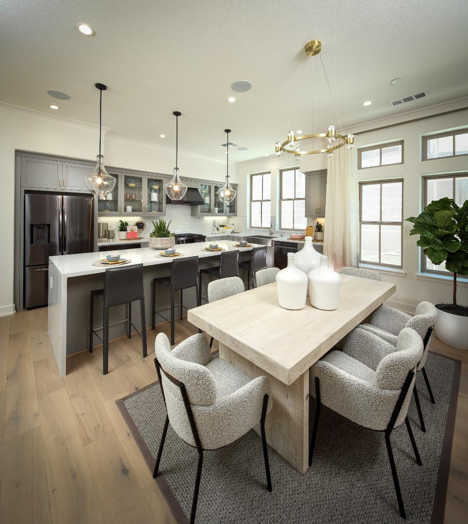 Detail Gallery Image 1 of 11 For 2357 Toledo Ter, Mountain View,  CA 94043 - 2 Beds | 2/1 Baths