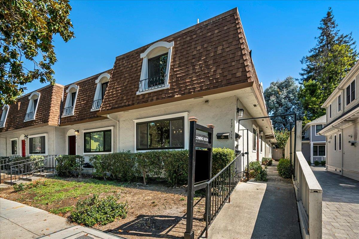 Detail Gallery Image 1 of 1 For 715 Webster St, Palo Alto,  CA 94301 - 2 Beds | 2/1 Baths