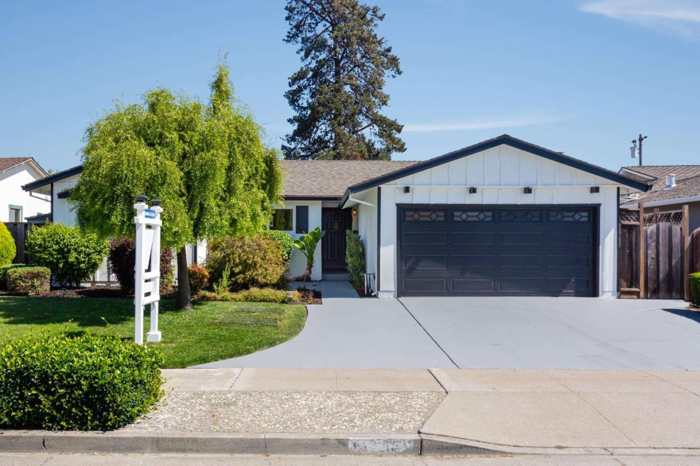 Detail Gallery Image 1 of 1 For 4258 Blue Ridge St, Fremont,  CA 94536 - 4 Beds   2 Baths
