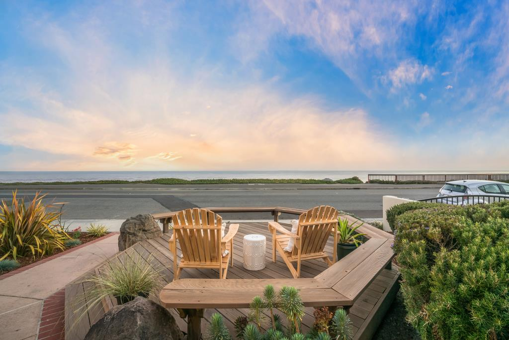 Detail Gallery Image 1 of 1 For 936 W Cliff Dr, Santa Cruz,  CA 95060 - 2 Beds   1 Baths