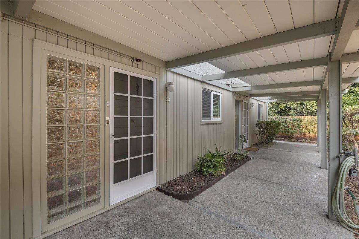 Detail Gallery Image 1 of 1 For 2047 Montecito Ave #20,  Mountain View,  CA 94043 - 2 Beds   1/1 Baths