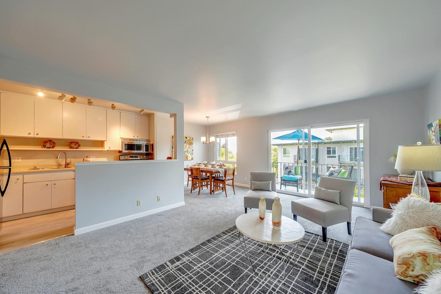 Detail Gallery Image 1 of 1 For 847 N Humboldt St #401,  San Mateo,  CA 94401 - 1 Beds | 1 Baths