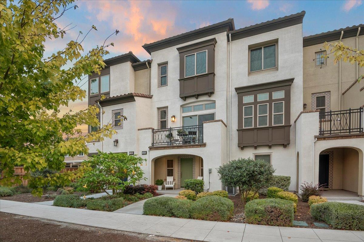 Detail Gallery Image 1 of 1 For 137 Fairchild Dr, Mountain View,  CA 94043 - 3 Beds   2/1 Baths