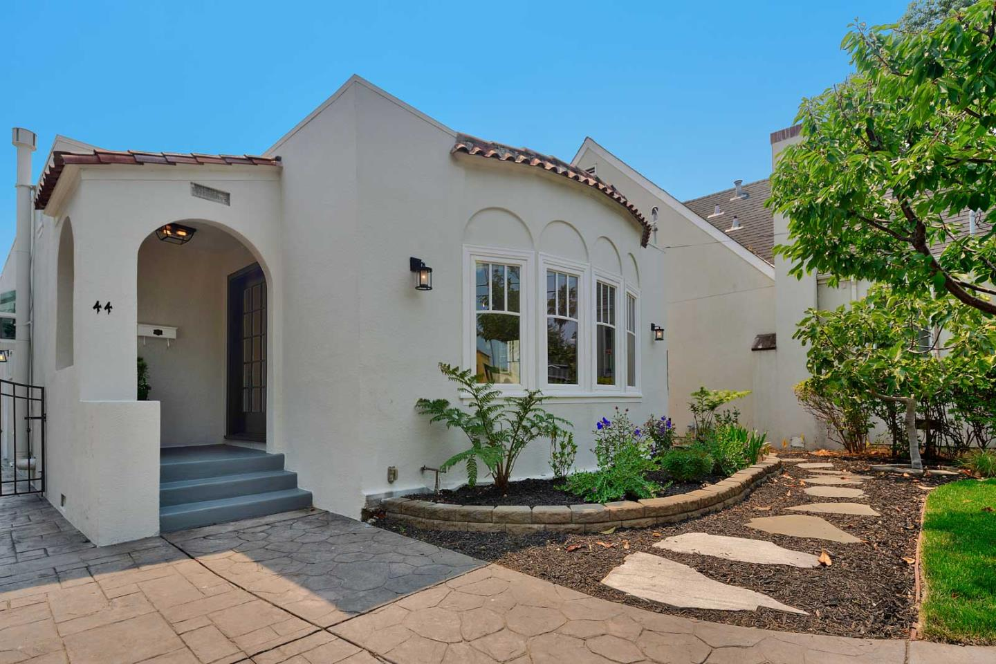 Detail Gallery Image 1 of 1 For 44 16th Ave, San Mateo,  CA 94402 - 3 Beds   1/1 Baths