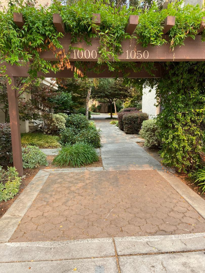 Detail Gallery Image 1 of 1 For 1010 Chula Vista Ter, Sunnyvale,  CA 94086 - 2 Beds | 2/1 Baths