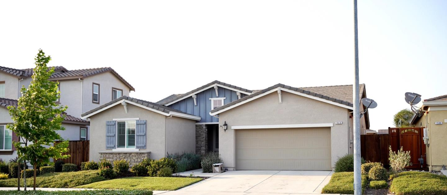 Detail Gallery Image 1 of 37 For 1510 Central Ave, Hollister,  CA 95023 - 3 Beds | 2 Baths