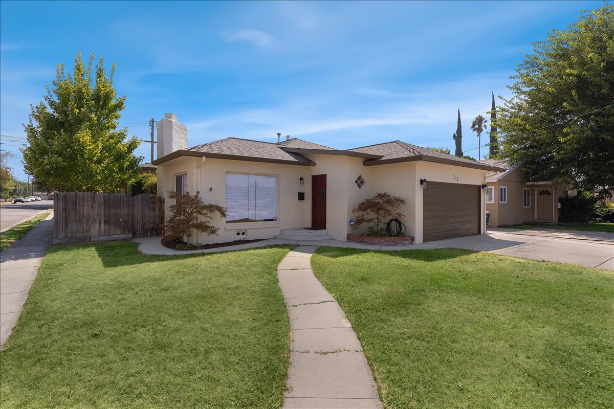 Detail Gallery Image 1 of 1 For 202 Emerson, Tracy,  CA 95376 - 3 Beds   2 Baths