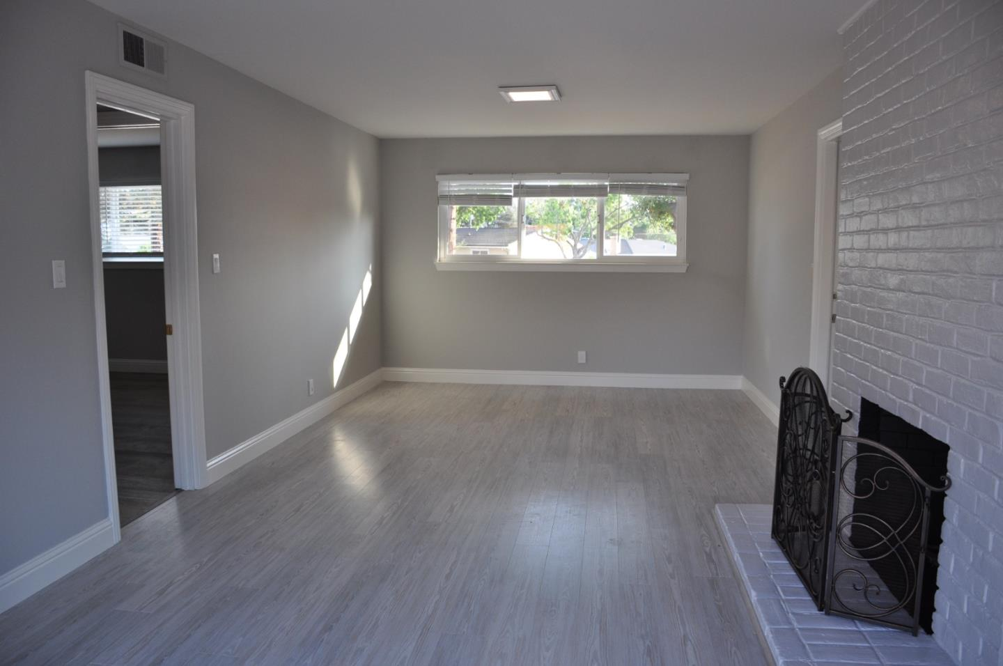 Detail Gallery Image 1 of 10 For 2100 Tiny St, Milpitas,  CA 95035 - 3 Beds | 2 Baths