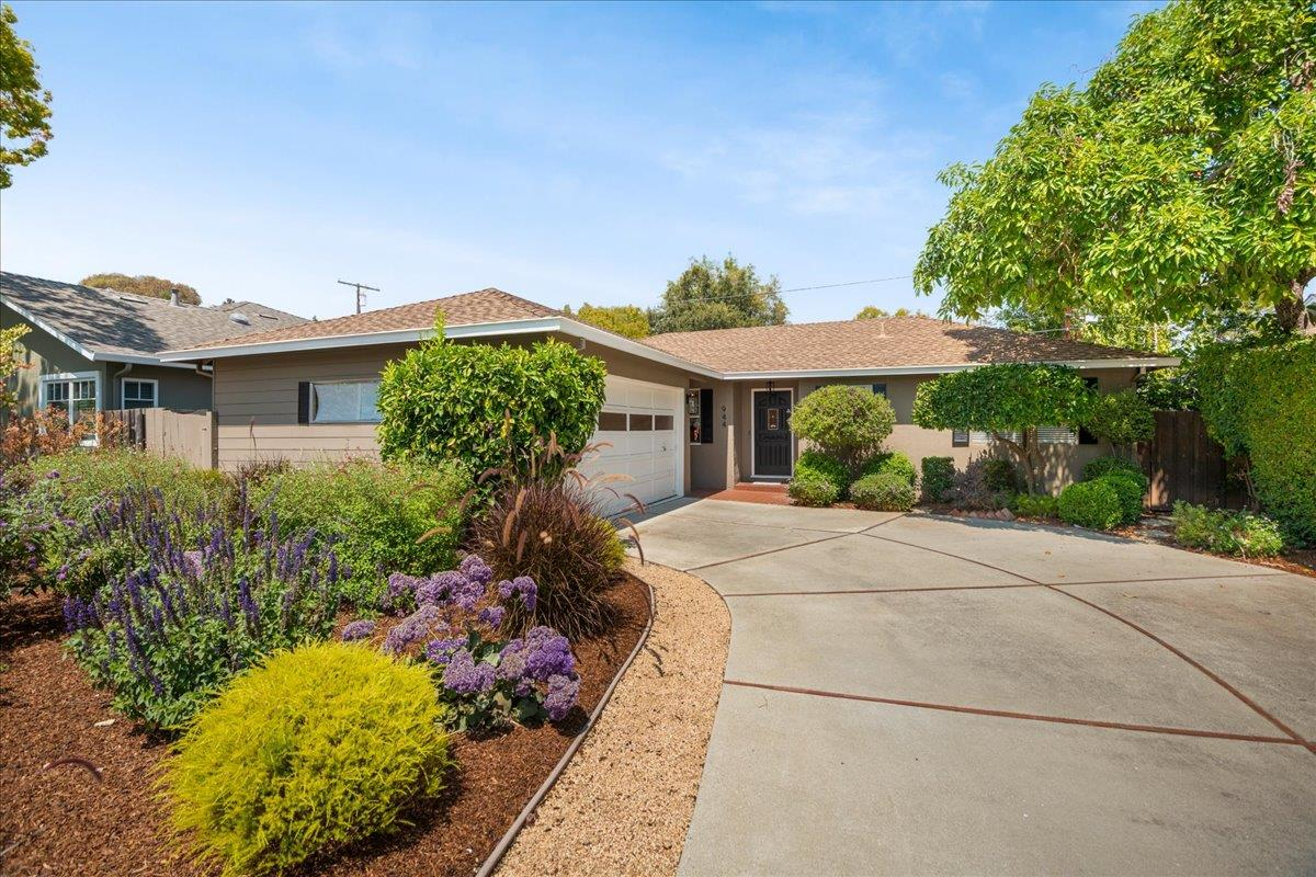 Detail Gallery Image 1 of 1 For 944 Tulane Dr, Mountain View,  CA 94040 - 3 Beds   2 Baths