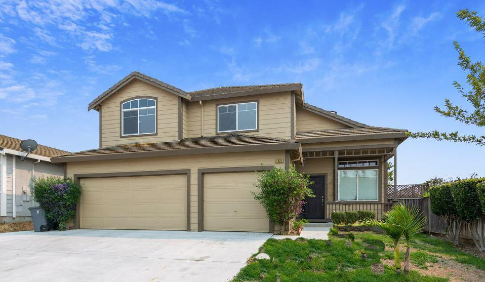 Detail Gallery Image 1 of 28 For 1221 Brigantino Dr, Hollister,  CA 95023 - 4 Beds | 2/1 Baths